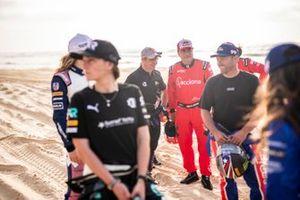 Sebastien Loeb, X44, and Carlos Sainz, Acciona | Sainz XE Team, on the beach