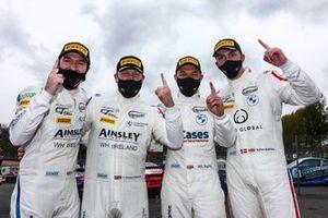 Will Burns / Gus Burton - Century Motorsport BMW M4 GT4 and Chris Salkeld / Andrew Gordon-Colebrooke - Century Motorsport BMW M4 GT4