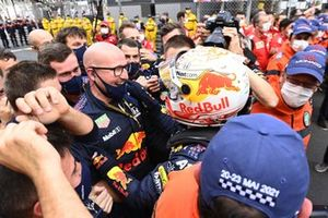 Max Verstappen, Red Bull Racing, 1st position, and the Red Bull team celebrate victory in Parc Ferme
