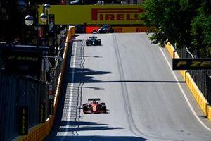 Charles Leclerc, Ferrari SF21, Lance Stroll, Aston Martin AMR21