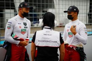 Andre Lotterer, Tag Heuer Porsche, Pascal Wehrlein, Tag Heuer Porsche, on the grid