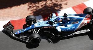 Fernando Alonso, Alpine A521, with a broken front wing