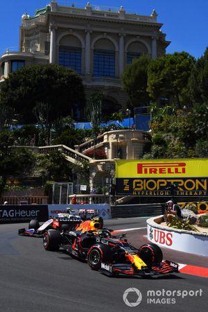 Sergio Perez, Red Bull Racing RB16B, Mick Schumacher, Haas VF-21