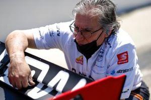 Juan Pablo Montoya, Arrow McLaren SP Chevrolet, crew