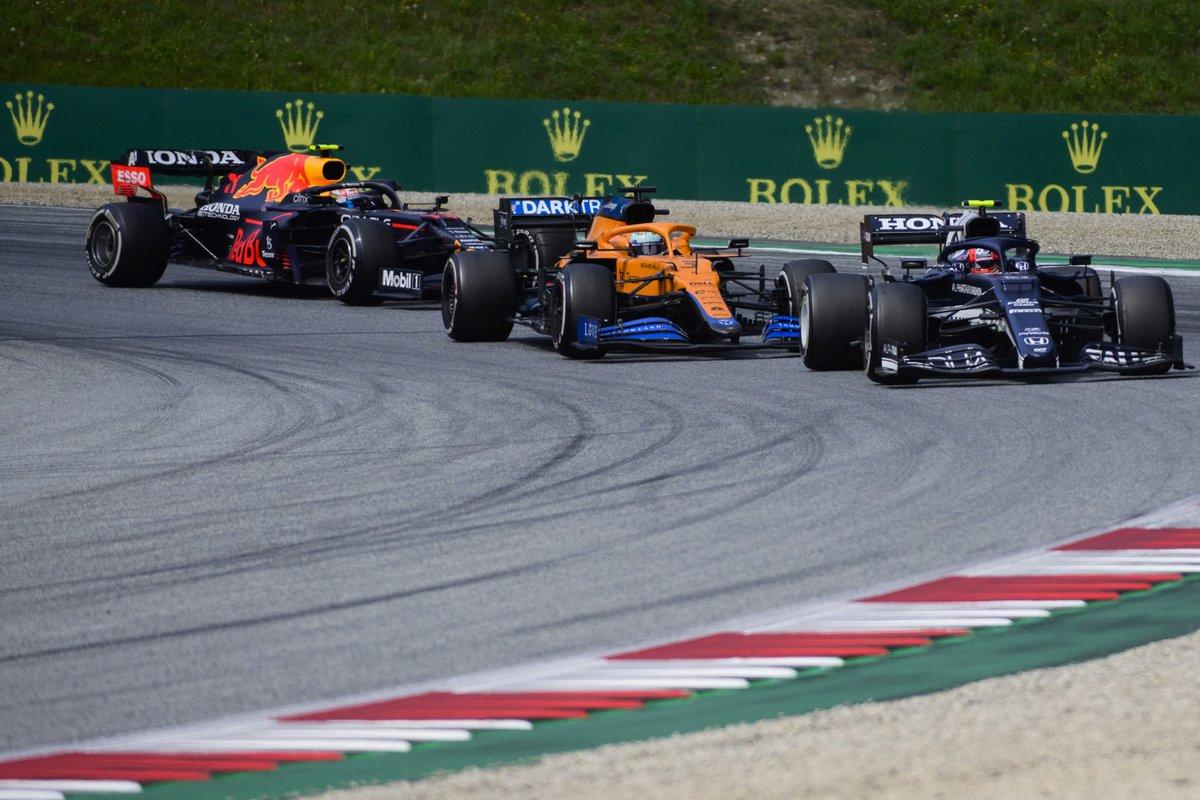 Pierre Gasly, AlphaTauri AT02, Daniel Ricciardo, McLaren MCL35M, Sergio Pérez, Red Bull Racing RB16B