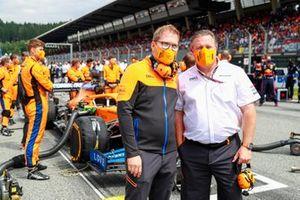 Andreas Seidl, Team Principal, McLaren, and Zak Brown, CEO, McLaren Racing, on the grid