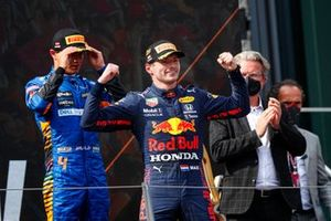 Lando Norris, McLaren, 3rd position, and Max Verstappen, Red Bull Racing, 1st position, on the podium