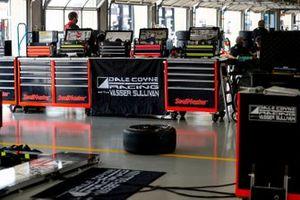 Ed Jones, Dale Coyne Racing with Vasser Sullivan Honda garage