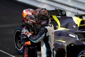 Liam Lawson, Hitech Grand Prix, y Dan Ticktum, Carlin