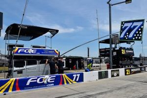 Justin Haley, Spire Motorsports, Chevrolet Camaro FOE Mother's Day pit stall
