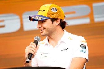 Carlos Sainz Jr., McLaren on stage in the fan zone