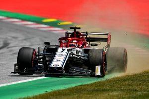 Kimi Raikkonen, Alfa Romeo Racing C38 sortant large
