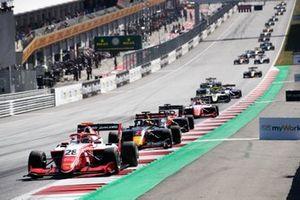 Robert Shwartzman, PREMA Racing et Juri Vips, Hitech Grand Prix