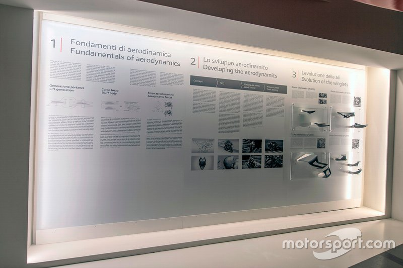 Pannelli espositivi della mostra Anatomia della Velocita