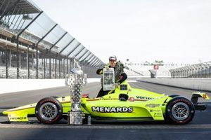 1. Simon Pagenaud, Team Penske Chevrolet