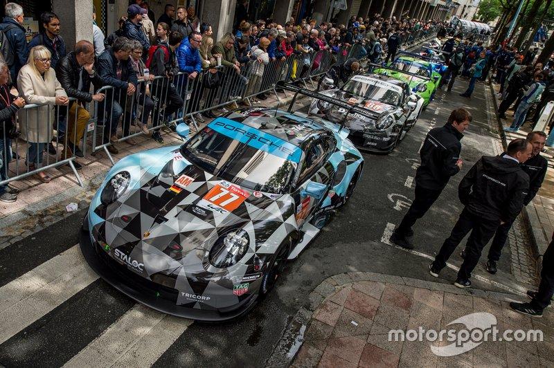 #77 Dempsey-Proton Competition Porsche 911 RSR; #88 Dempsey Proton Competition Porsche 911 RSR