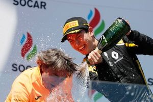 Jack Aitken, CAMPOS RACING sprays the champagne on the podium