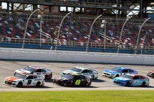 Chase Elliott, Hendrick Motorsports, Chevrolet Camaro Mountain Dew / Little Caesar's and Jimmie Johnson, Hendrick Motorsports, Chevrolet Camaro Ally