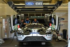 Автомобиль Ford GT (№66) команды Ford Chip Ganassi Team UK