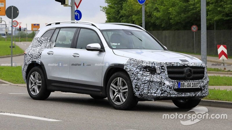Шпигунське фото Mercedes GLB 2020 року
