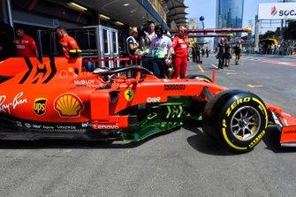 Charles Leclerc, Ferrari SF90, leaves the garage