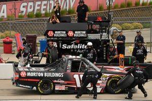 Harrison Burton, Kyle Busch Motorsports, Toyota Tundra Morton Buildings pit stop