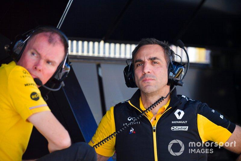 Alan Permane, Trackside Operations Director, Renault F1 Team and Cyril Abiteboul, Managing Director, Renault F1 Team
