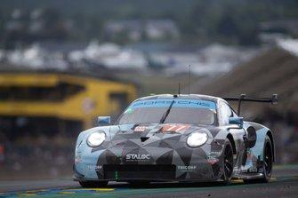 #77 Dempsey-Proton Racing, Porsche 911 RSR: Matt Campbell, Christian Ried, Julien Andlauer