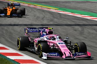 Lance Stroll, Racing Point RP19, leads Lando Norris, McLaren MCL34