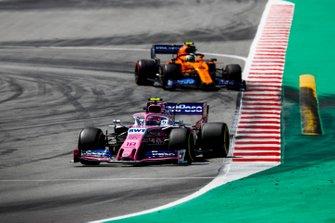 Lance Stroll, Racing Point RP19 leads Lando Norris, McLaren MCL34