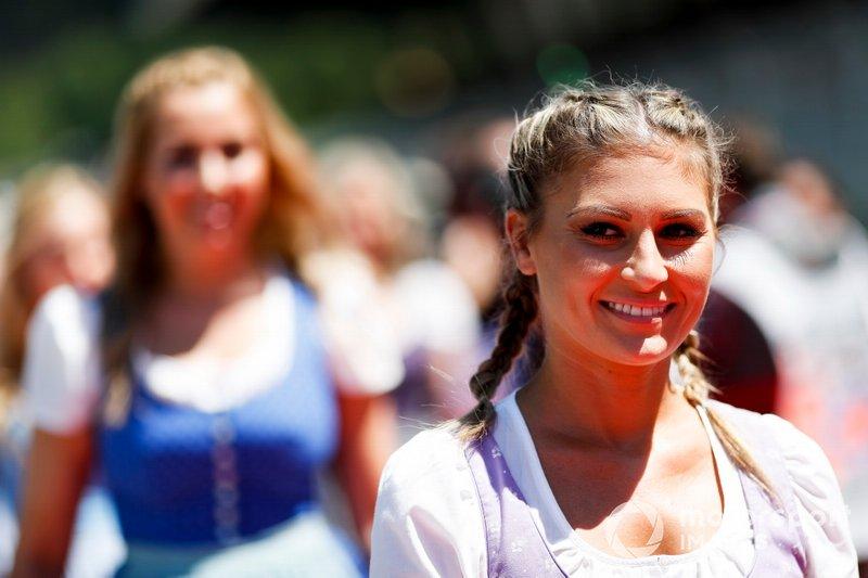 Девушки на Гран При Австрии Ф1