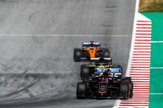 Kevin Magnussen, Haas F1 Team VF-19, leads Lance Stroll, Racing Point RP19, Daniel Ricciardo, Renault F1 Team R.S.19, and Carlos Sainz Jr., McLaren MCL34
