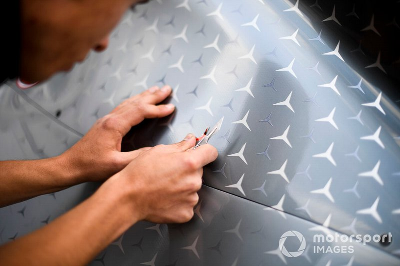 La Stella Rossa sulla Mercedes AMG F1 W10 in tributo a Niki Lauda