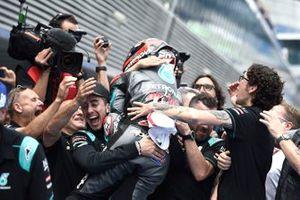 Polesitter Fabio Quartararo, Petronas Yamaha SRT celebrates with his team