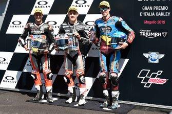 Ganador de la pole Marcel Schrotter, Intact GP, segundo Thomas Luthi, Intact GP, tercero Alex Marquez, Marc VDS Racing