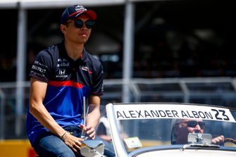 Alexander Albon, Toro Rosso, in the drivers parade