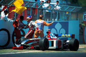 Crash: Jacques Villeneuve, BAR 01
