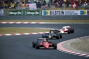 Michele Alboreto, Ferrari 156/85, leads Elio de Angelis, Lotus 97T Renault and Alain Prost, McLaren MP4-2B TAG