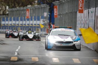 The BMW i8 Safety car Oliver Rowland, Nissan e.Dams, Nissan IMO1 before the restart