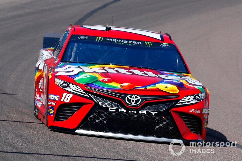 Kyle Busch, Joe Gibbs Racing, Toyota Camry SKITTLES