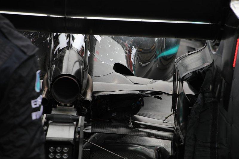 Mercedes AMG F1 W10, dettaglio posteriore