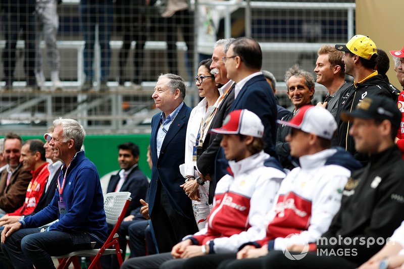 Jean Todt, President, FIA, Michelle Yeoh, Chase Carey, Chairman, Formula 1, team members and drivers gathered for an F1 1000 photo call