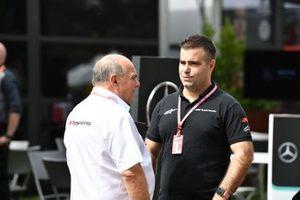 Zsolt Baumgartner talks to an F1 experiences driver