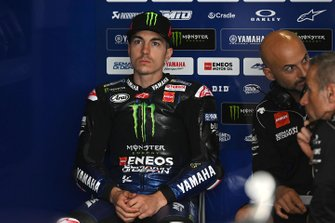 Maverick Vinales, Yamaha Factory Racing, mit Esteban Garcia
