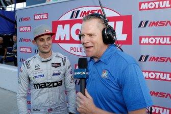 Il vincitore del Motul Pole Award #77 Mazda Team Joest Mazda DPi, DPi: Oliver Jarvis