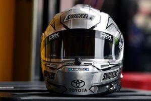 Kyle Busch, Joe Gibbs Racing, Toyota Camry Snickers Creamy