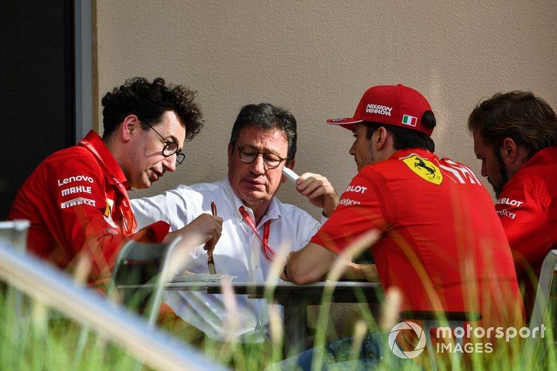 Mattia Binotto, Team Principal Ferrari, Louis C. Camilleri, CEO, Ferrari, e Charles Leclerc, Ferrari