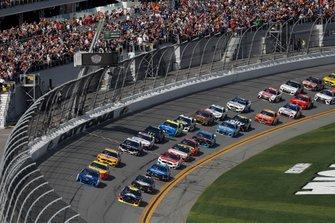 Start zum 61. Daytona 500, Auftakt der NASCAR Cup-Saison 2019: William Byron, Hendrick Motorsports, Chevrolet Camaro Axalta, führt