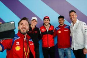 Nick Heidfeld, Mahindra Racing, takes a selfie with the German drivers Maximilian Gunther, Dragon Racing, Daniel Abt, Audi Sport ABT Schaeffler, Pascal Wehrlein, Mahindra Racing, Andre Lotterer, DS TECHEETAH