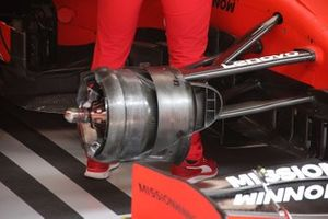 Ferrari SF90, dettaglio del freno anteriore